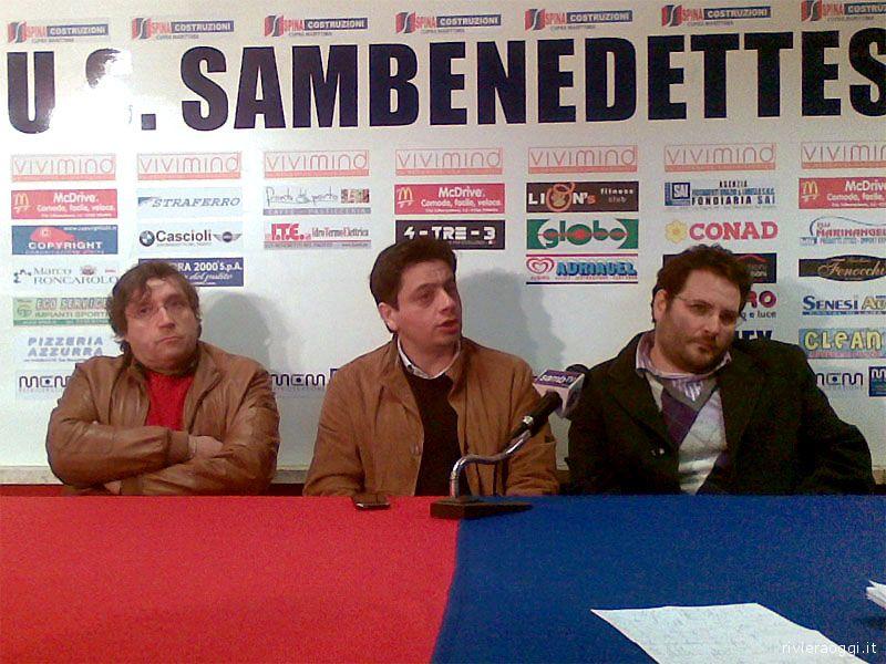 Roberto Pignotti, dirigente della Samb, e i due responsabili di 100x100 Samb, Camillo Di Monte e Gianluca Lelii