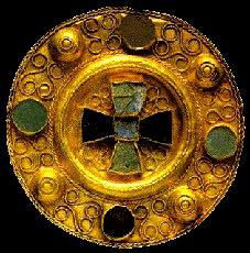 Una fibula in oro longobarda