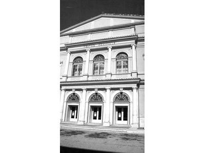 Il Teatro Stabile d'Abruzzo, crollato nel terremoto del 6 aprile
