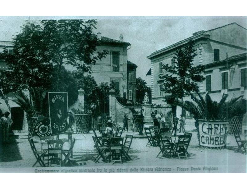 Piazza dell'Angioletto in una foto ancora più d'epoca