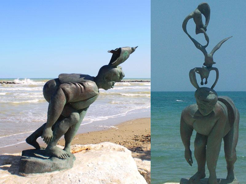 A sinistra la scultura senza i due gabbiani, a destra com'era nella sua interezza