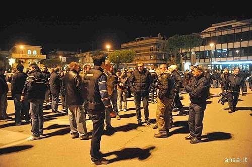 Alcuni partecipanti alla manifestazione di mercoledì 11 novembre ad Alba Adriatica