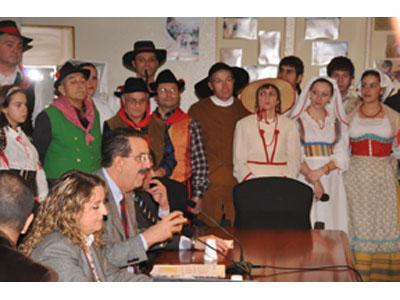 Gruppi folkloristici presenti alla cerimonia di costituzione ufficiale