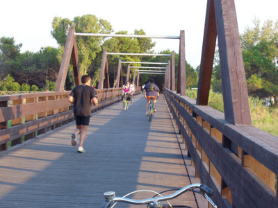 Un ponte ciclopedonale