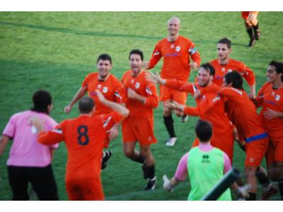 Il Martinsicuro festeggia un gol contro il Real Carsoli (foto d'archivio)
