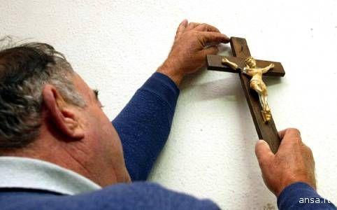 Via i crocifissi dalle aule scolastiche?