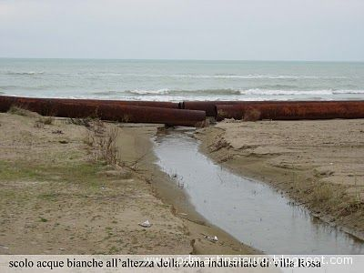 Scolo acque bianche all'altezza della zona industriale d Villa Rosa