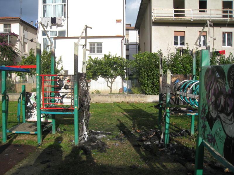 Parco di via Lombardia, nuovi atti vandalici