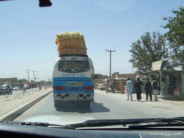 Le strade di Kabul fotografate dal sambenedettese Demetrio Ferri