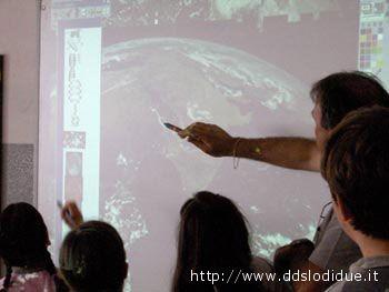 Una lavagna interattiva multimediale