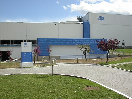 Lo stabilimento Pfizer di Ascoli Piceno