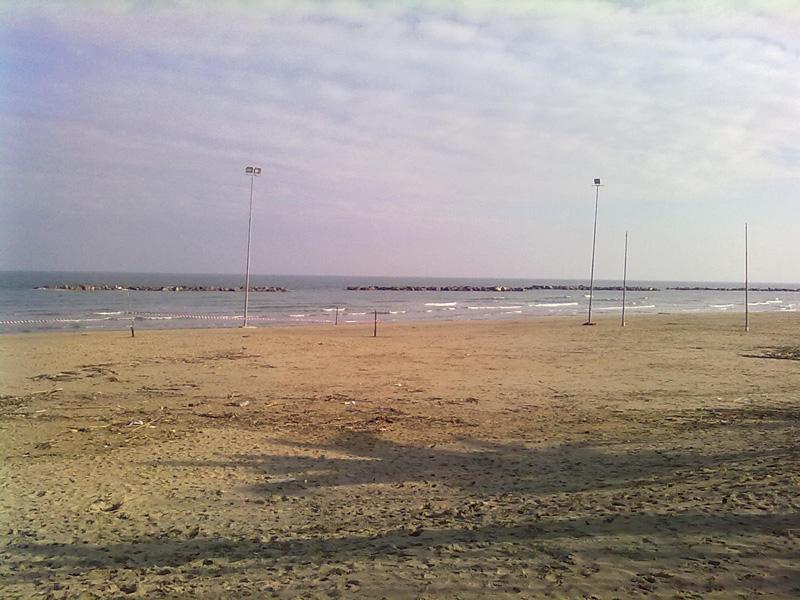 I pali della luce per la Beach Arena estiva