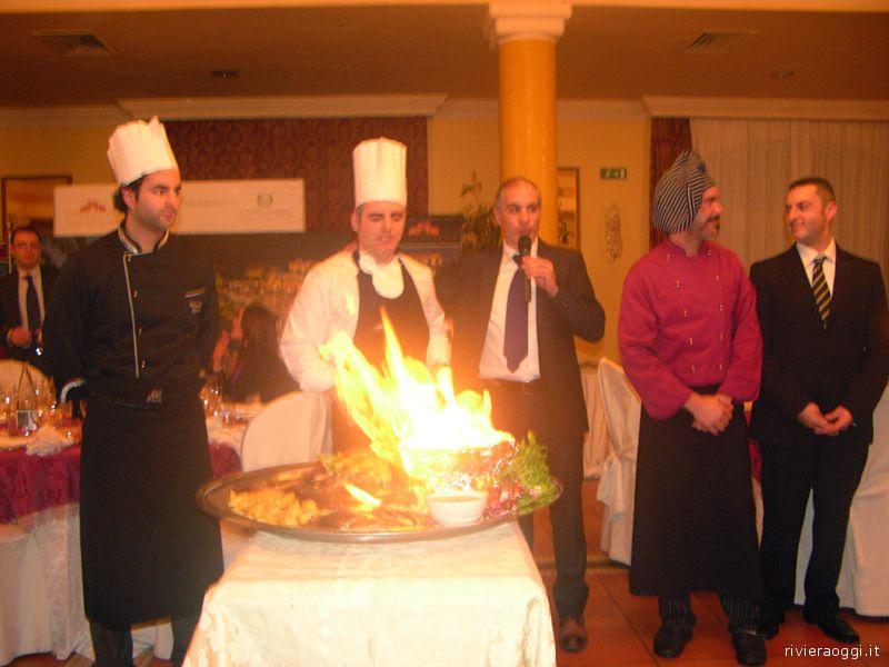 Filippo Olivieri insieme agli chef di Villa Picena nella serata inaugurale