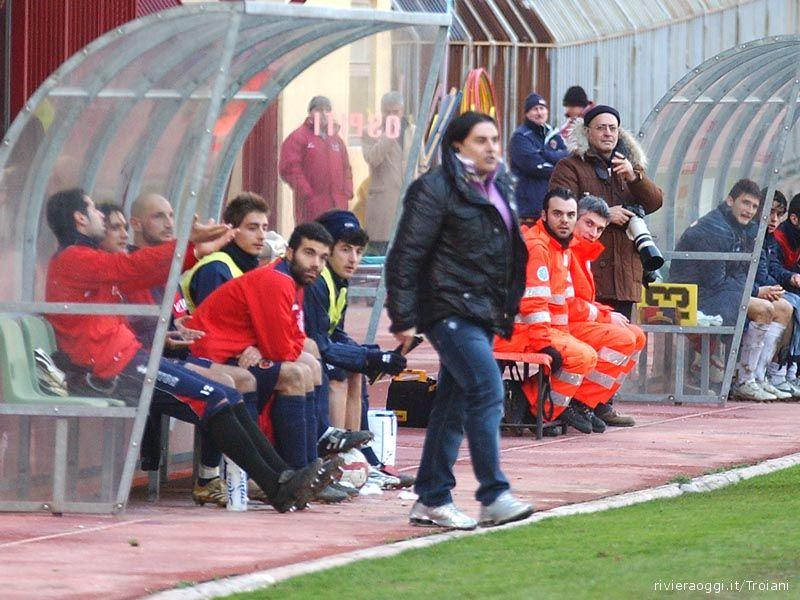 Sergio Spina in panchina (foto d'archivio)