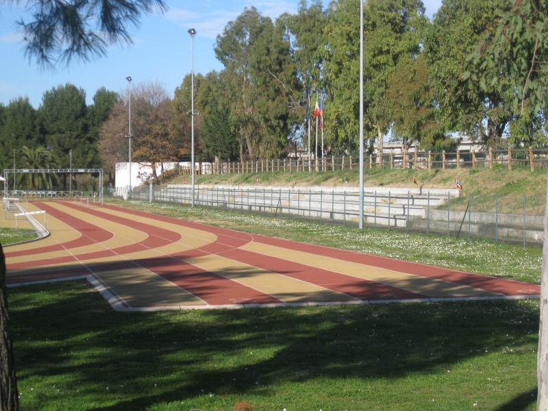 La pista d'atletica e la tribuna allo stato attuale