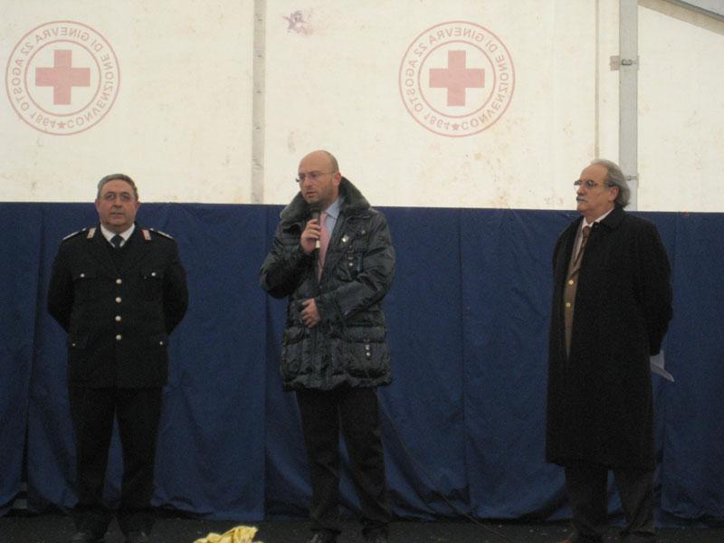 Il comandante De Santis, l'assessore regionale Di Matteo e il Prefetto Soldà