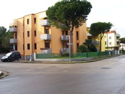 La palazzina a Villa Rosa in cui si è consumato l'omicidio