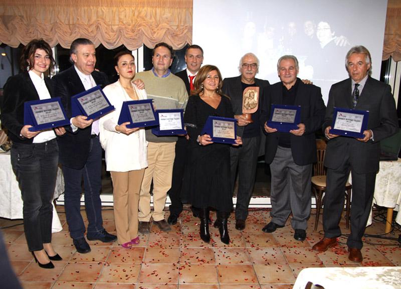 Foto di gruppo con i premiati del