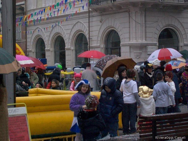 Carnevale anche sotto la pioggia