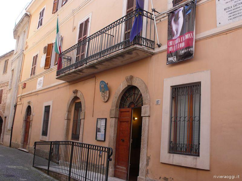 Il Municipio di Monsampolo