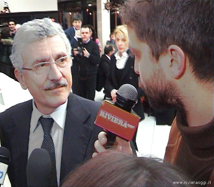 Massimo Dalema intervistato da Oliver Panichi per Riviera Oggi Tv