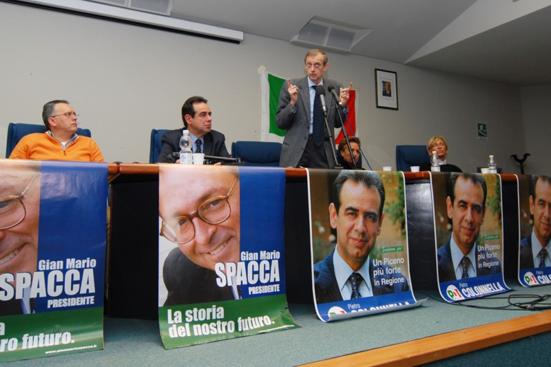 Fassino a San Benedetto per la campagna elettorale di Pietro Colonnella