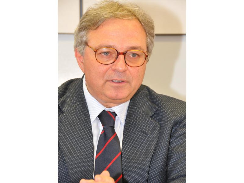 Gian Mario Spacca il giorno dopo la rielezione a governatore delle Marche (foto d'archivio)