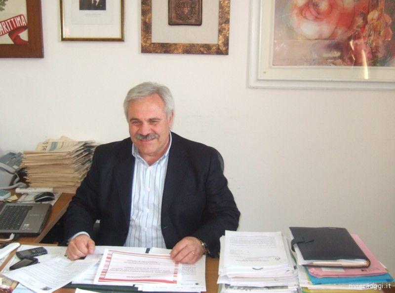 Il sindaco di Cupra Marittima Domenico D'Annibali