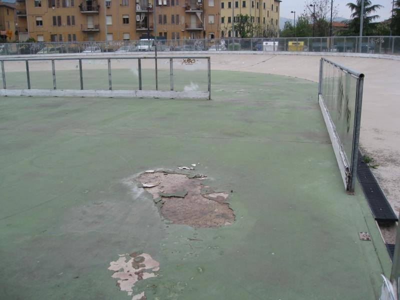 La pista di pattinaggio di Ascoli, danneggiata in alcuni punti