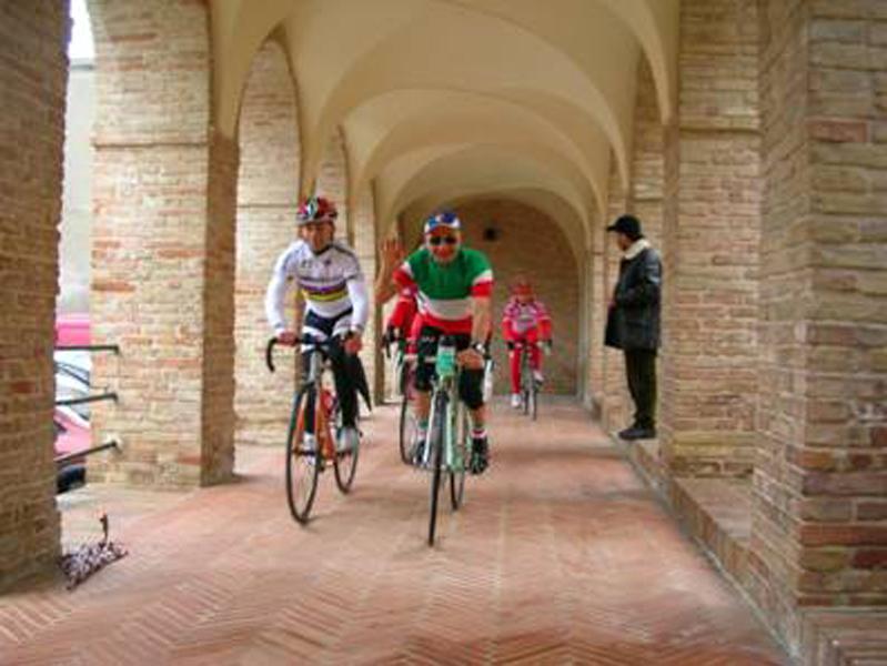 I testimonial Giorgio Farroni e Americo Severini in un suggestivo passaggio della manifestazione