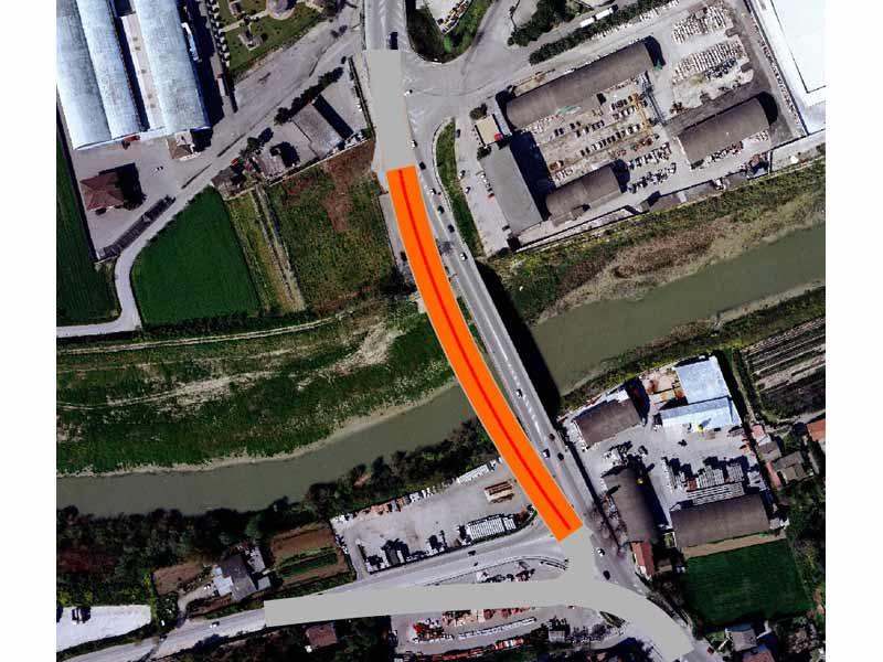 Il tracciato (in rosso) del nuovo ponte sulla Statale Adriatica tra San Benedetto e Martinsicuro
