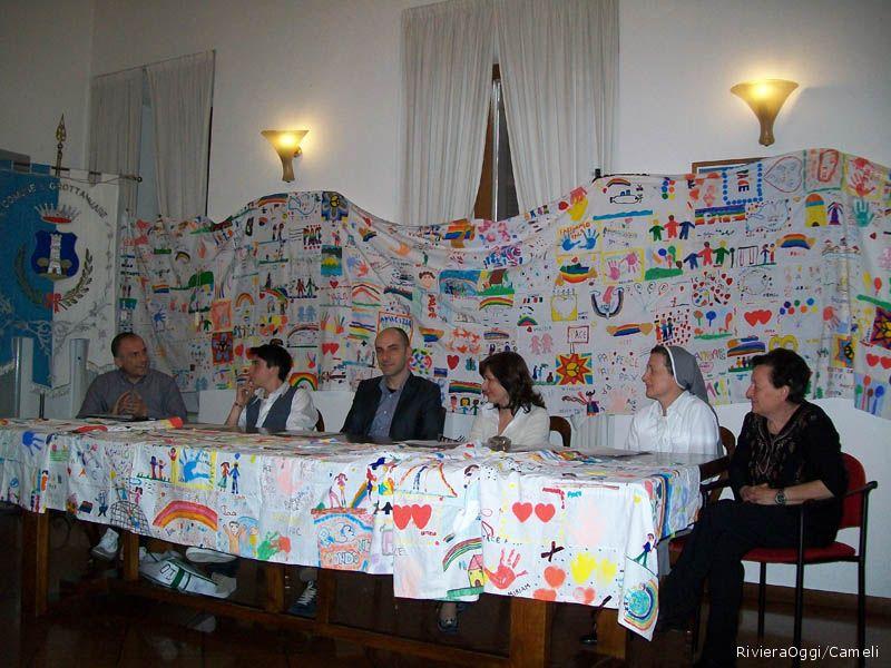 Lisciani, Concetti, Lanciotti, Sirch e Ciarrocchi circondati dai messaggi di pace