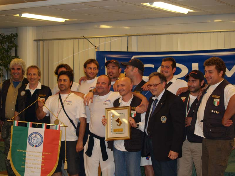 Surfcasting 2010: prima societa' Classificata Golden Fish Civitanova