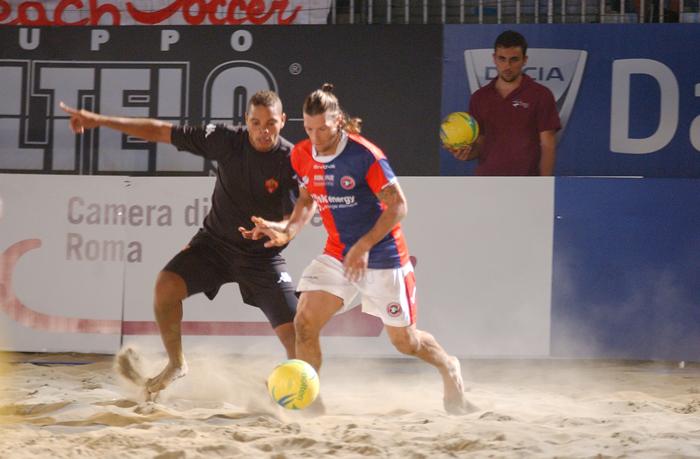 Giovanni Pompei impegnato con la Samb Beach Soccer nelle finali di Coppa Italia a Roma