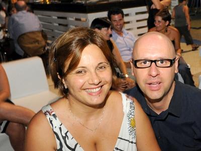 Andrea Perugini con la moglie Monia festeggia i suoi 40 anni