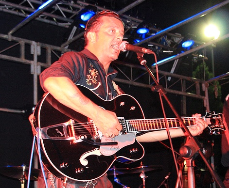Il cantante e chitarrista Marco Di Maggio