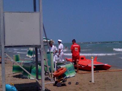 Anziano annegato a Grottammare il 19 luglio 2007, il bagnino di salvataggio e uomini della Capitaneria dopo il fatto