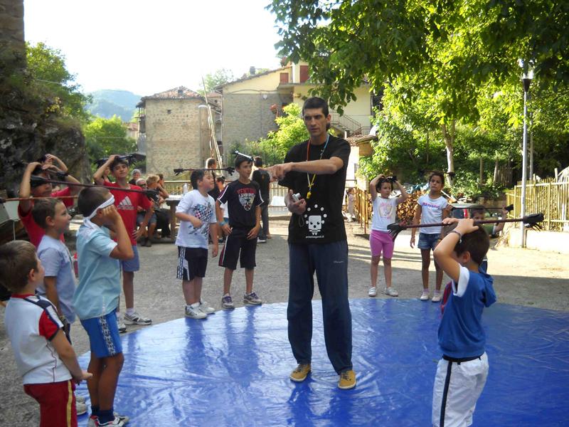 Artisti Vaganti, il laboratorio per bambini a Pozza di Acquasanta