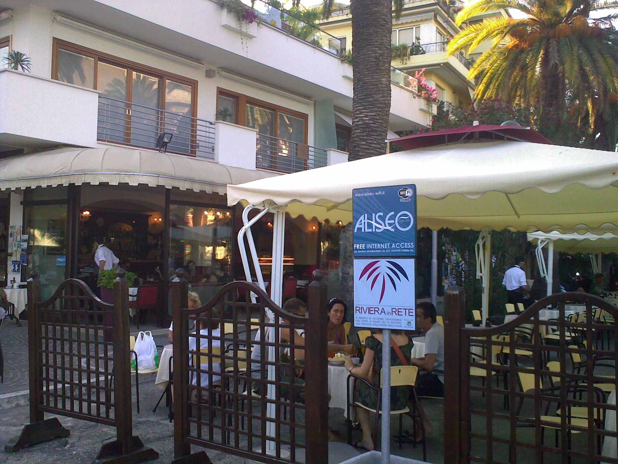 Servizio Wi-fi situato al centro, presso il Caffè Moretti
