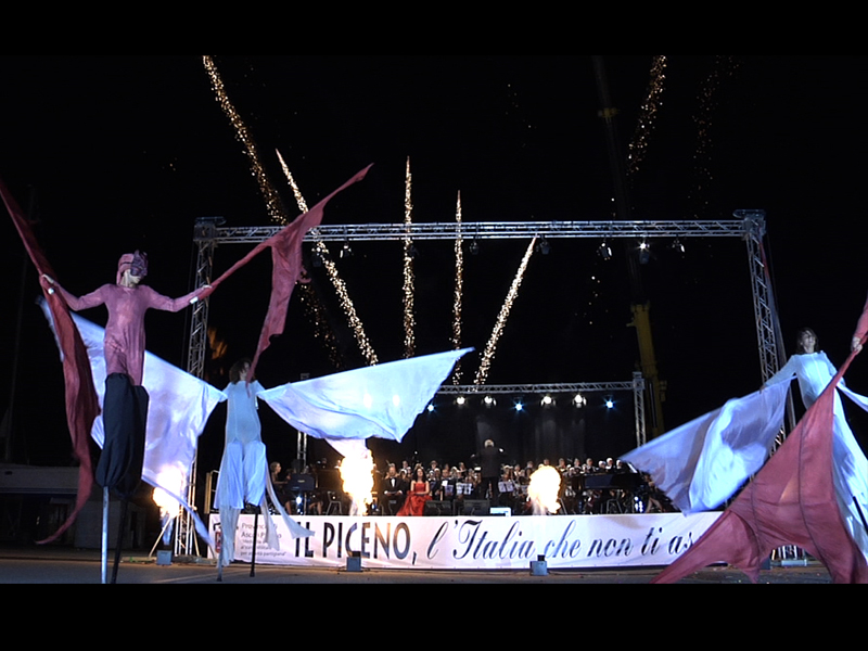 Carmina Burana, al porto di San Benedetto, con la Compagnia dei Folli, l'Orchestra Rossini, il Coro Ventidio Basso