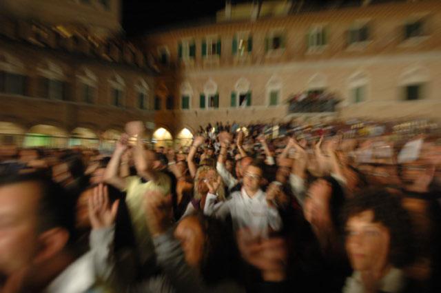 Venditti sotto il cielo stellato di Ascoli (foto Troiani)