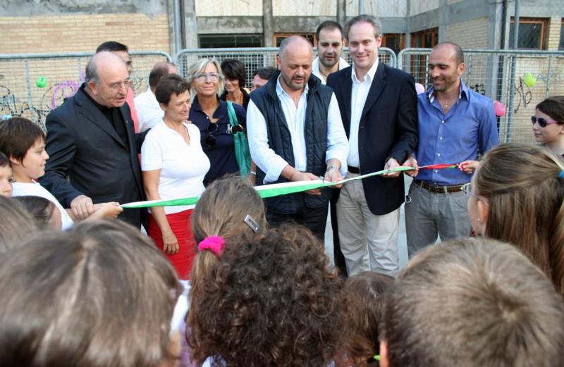 L'inaugurazione del nuovo giardino pubblico in via Ferri