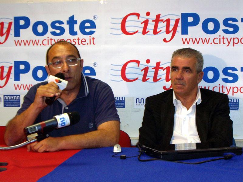 Claudio Bartolomei, vicepresidente della Samb, con Bachisio Ledda, durante la presentazione dello sponsor CityPoste nell'estate 2010