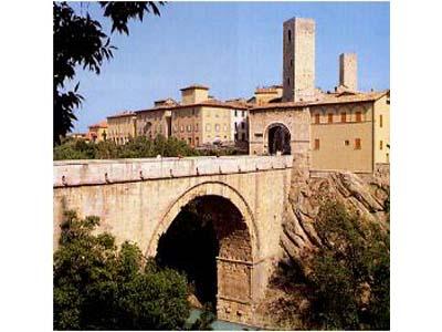 Il ponte romano e Porta Solestà
