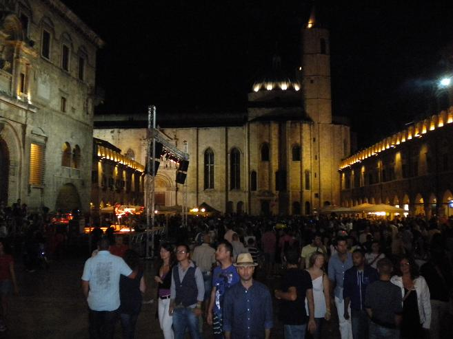 Piazza del Popolo a tarda notte