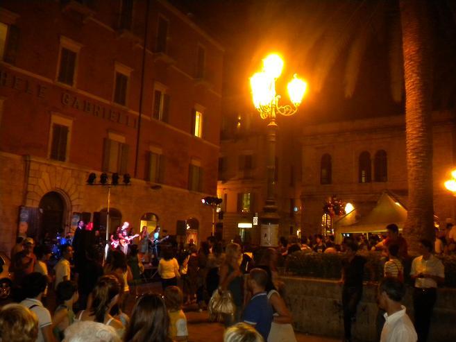 Spettacoli in Piazza Roma