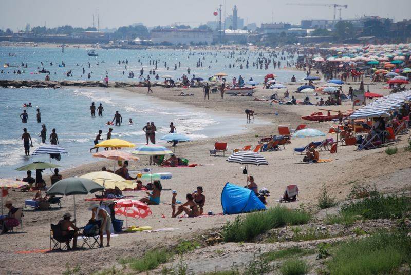 Un tratto di spiaggia interessato dal ripascimento