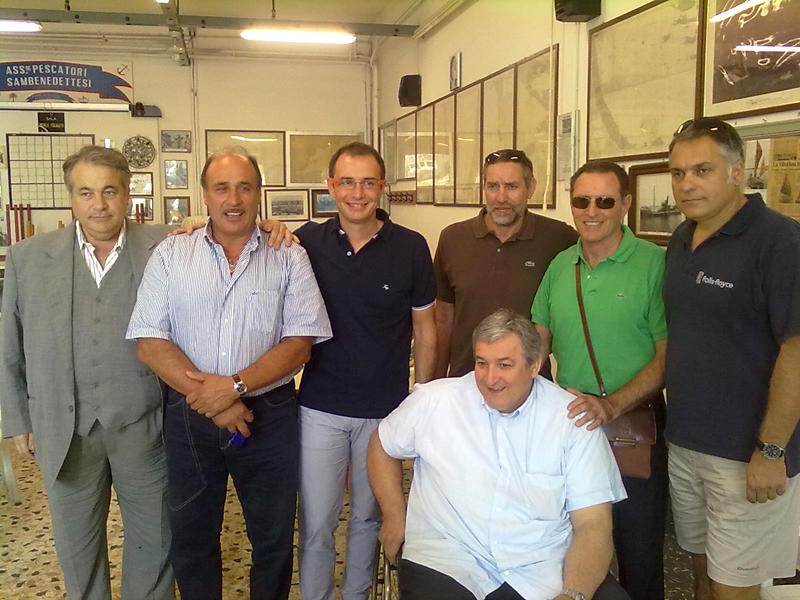Il direttivo di Assimpesca con il suo presidente Pietro Merlini, Nazzareno Torquati e l'assessore provinciale Bruno Gabrielli