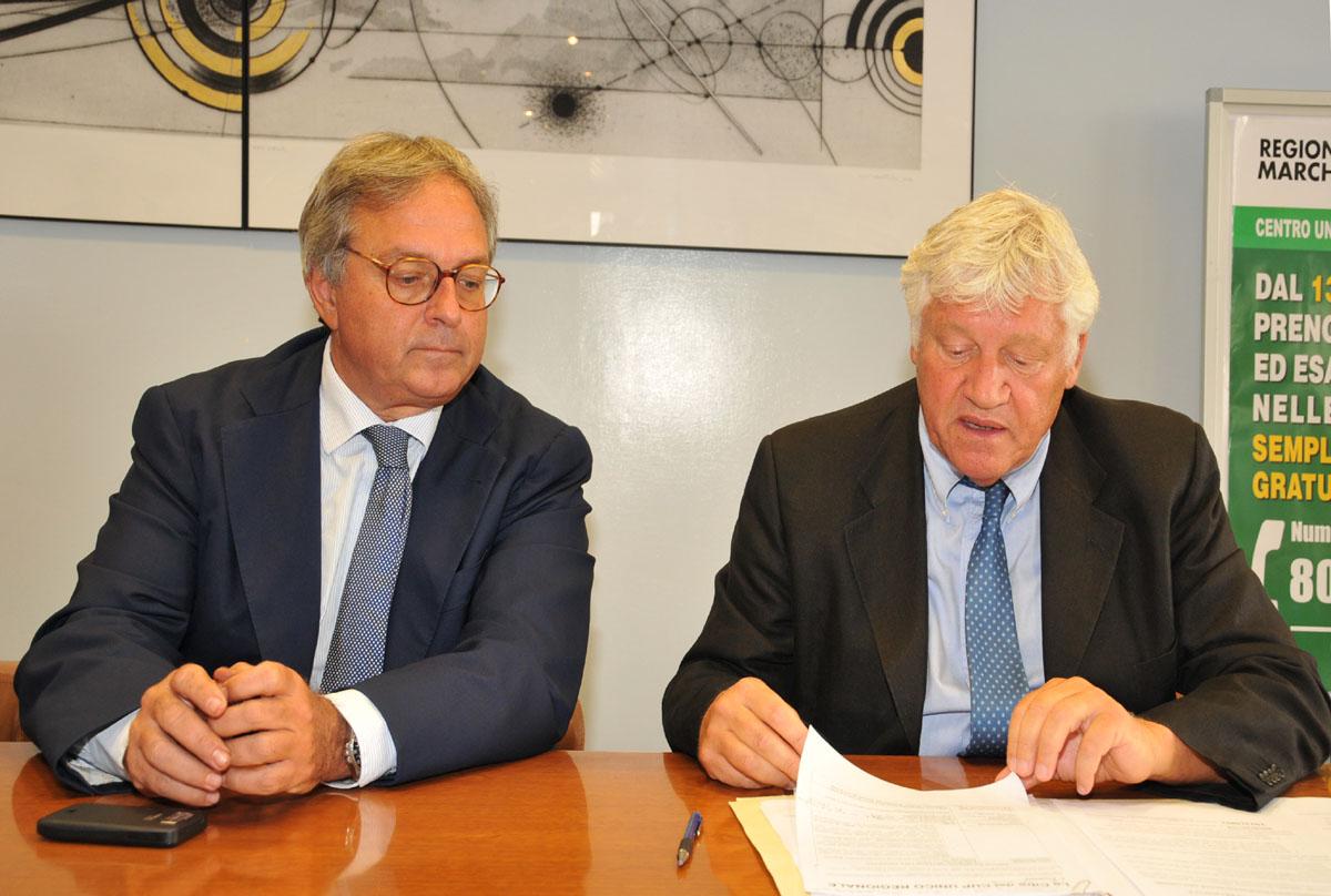 Il Governatore Gian Mario Spacca con il dirigente del Servizio Salute Carmine Ruta