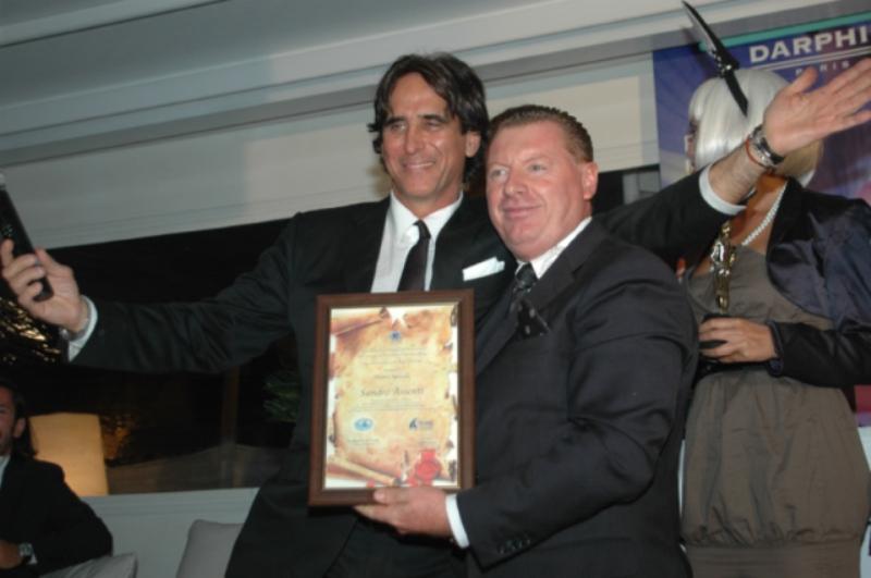Valentino Roma premia Sandro Assenti